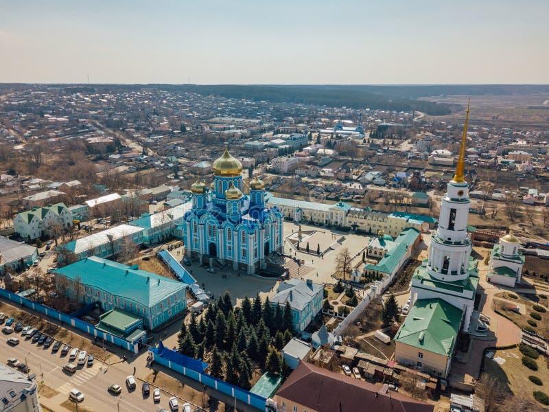 Nativity της κυρίας μας Monastery και καθεδρικός ναός εικονιδίου του Βλαντιμίρ της μητέρας του Θεού σε Zadonsk στοκ φωτογραφία με δικαίωμα ελεύθερης χρήσης