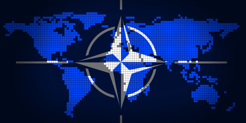 NATO e mappa di mondo illustrazione di stock