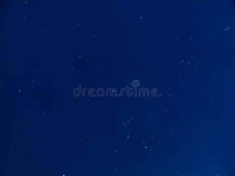 Natt av himmel med stjärnor arkivbild