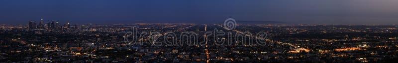 Natt av Los Angeles - panorama royaltyfria foton