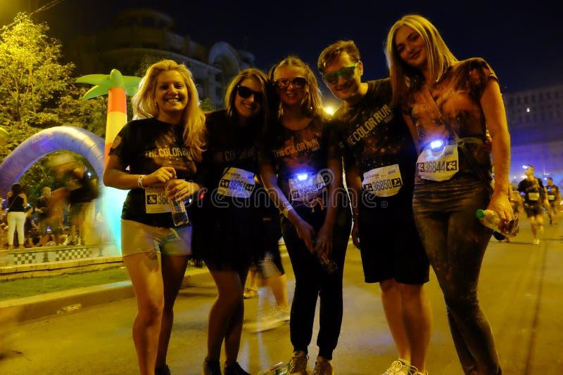 Natt för Bucharest färgkörning arkivfoton
