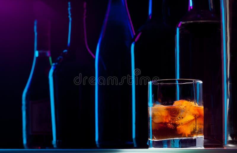 natt för stångdrink sent - royaltyfri fotografi