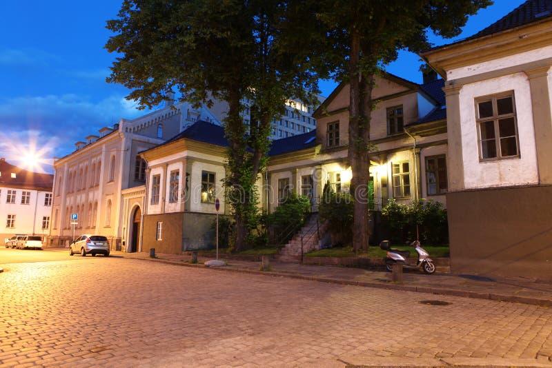 Natt i Bergen, Norge royaltyfri foto