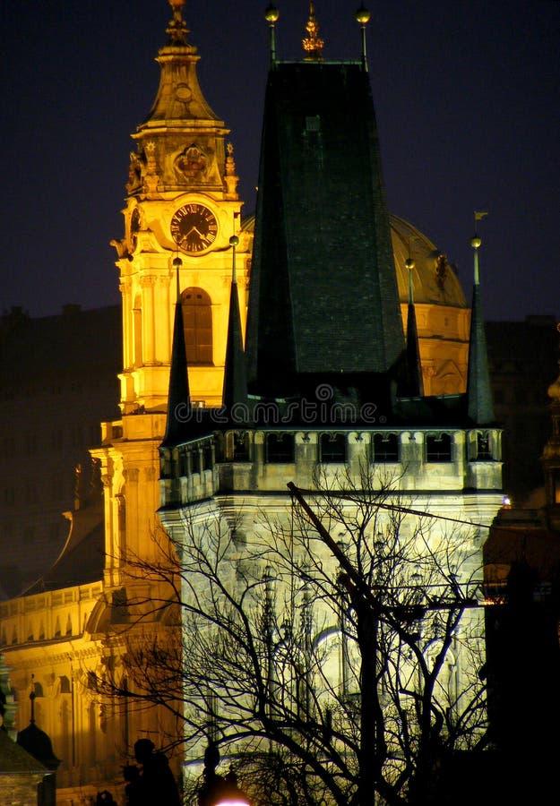 natt prague arkivfoton