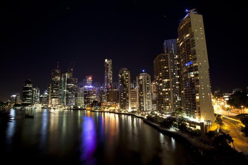 natt queensland för brobrisbane stad royaltyfria foton