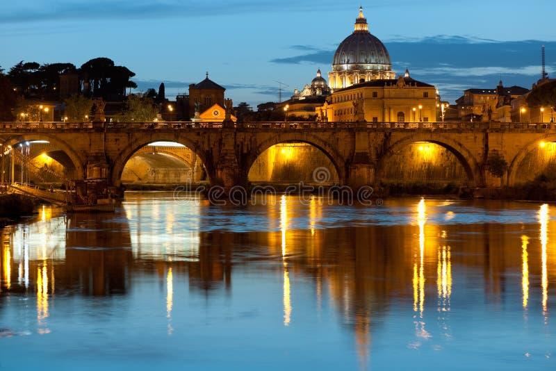 Download Natt Rome fotografering för bildbyråer. Bild av exponerat - 27282613