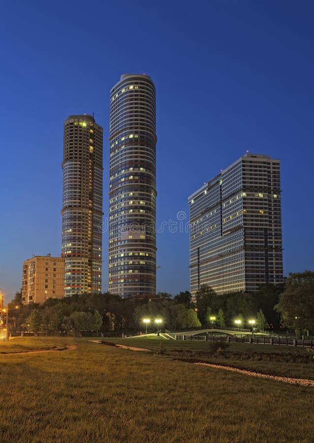 Nattcityscape, Moskva arkivbilder