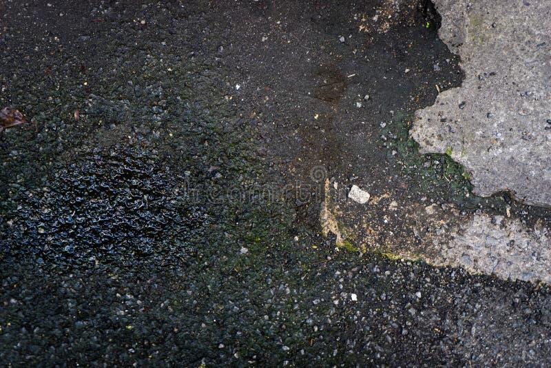 Natte concrete vloer voor textuurachtergrond stock foto's