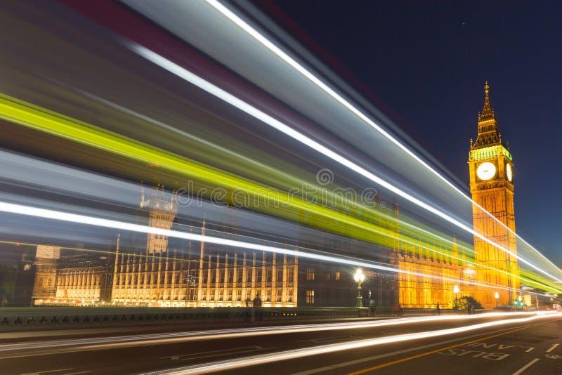 Nattfoto av Big Ben, London, England arkivbilder