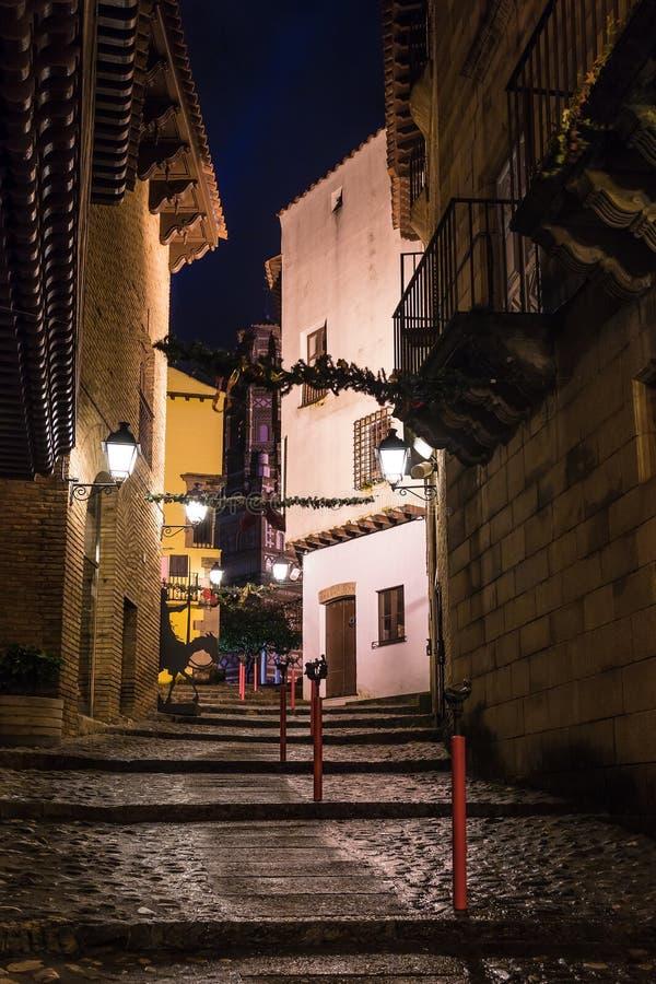 Nattgata i Poble Espanyol, Barcelona, Spanien royaltyfria bilder