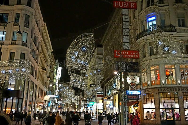 Nattgator av vintern Wien fotografering för bildbyråer