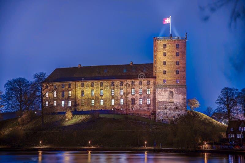 NattHDR foto av Koldinghus en gammal slott i Kolding Danmark royaltyfria bilder