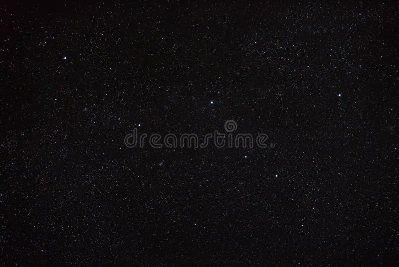 Natthimmel med stjärnan och konstellationcassiopeiaen Norr fåll royaltyfri foto