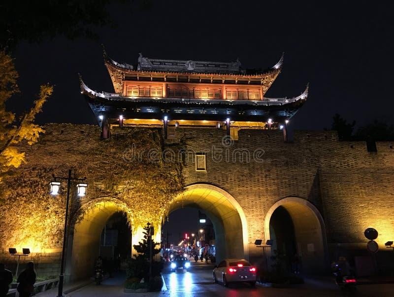 Nattlandskap av den Suzhou staden, östliga Kina arkivfoto