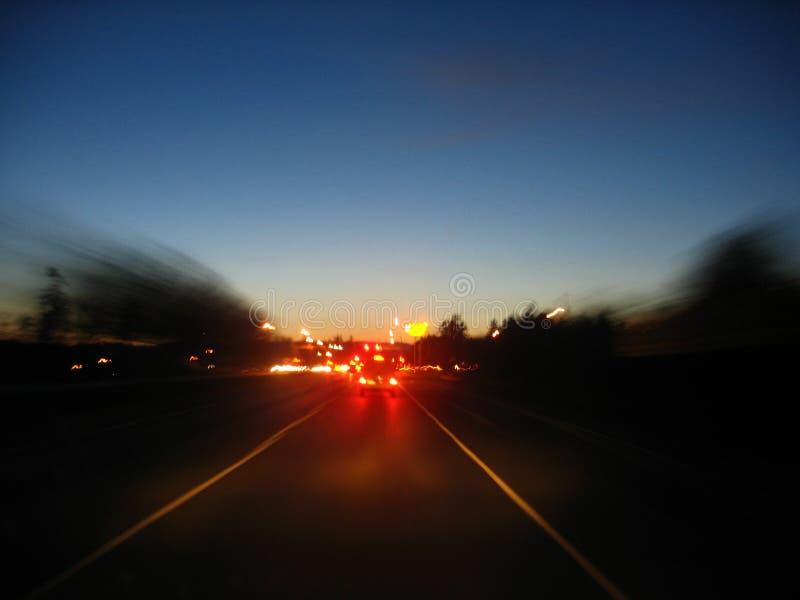 Download Nattlopp arkivfoto. Bild av natt, blurriness, drev, väg - 987040
