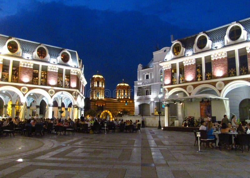 Nattpiazzafyrkant i Batumi, Georgia royaltyfri bild