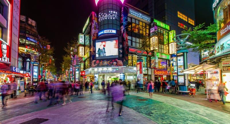 Nattplats av Ximendingen, Taiwan arkivfoton