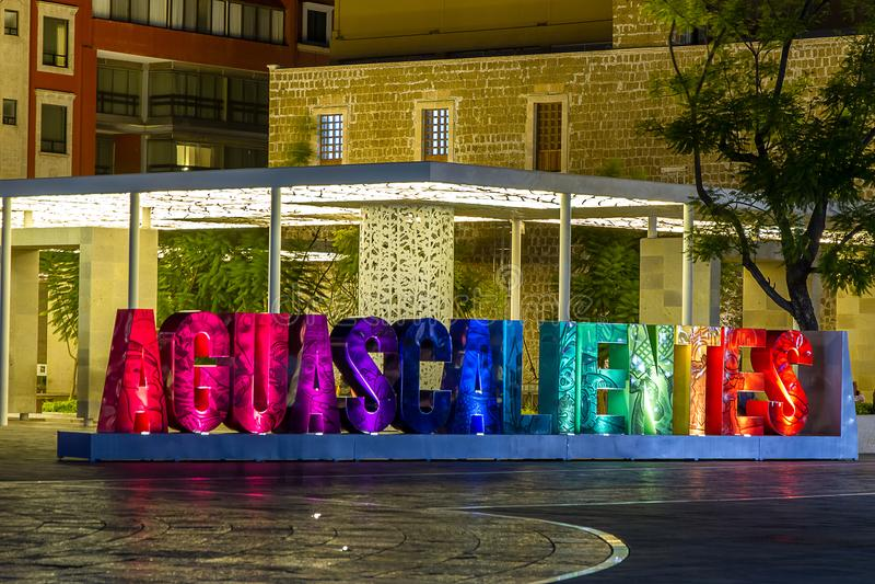 Nattplats i stadens centrum Aguascalientes, Mexico royaltyfri fotografi