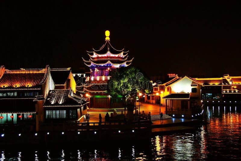 Nattplatsen i den Suzhou staden royaltyfri bild