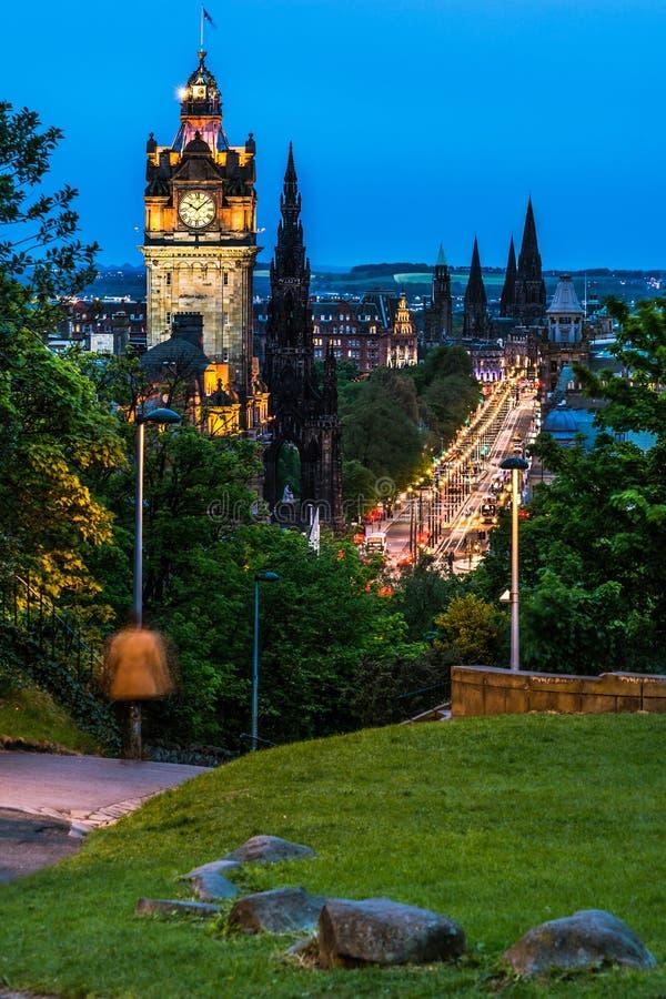 Nattsikt över Edinburg royaltyfria foton