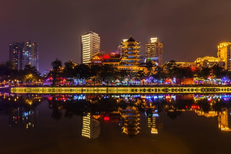 Nattsikt av Chengdu royaltyfri foto