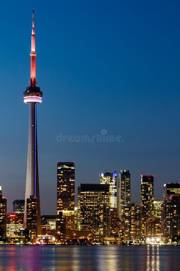 Nattsikt av i stadens centrum Toronto, Ontario, Kanada arkivbild