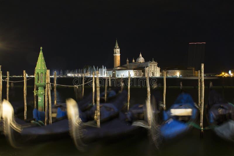 Nattsikt av kyrkan av San Giorgio Maggiore arkivfoton