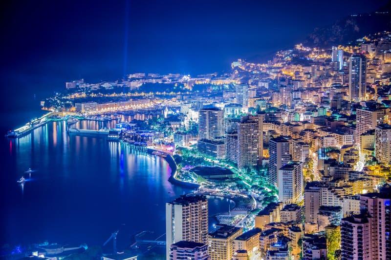 Nattsikt av Monaco royaltyfria bilder