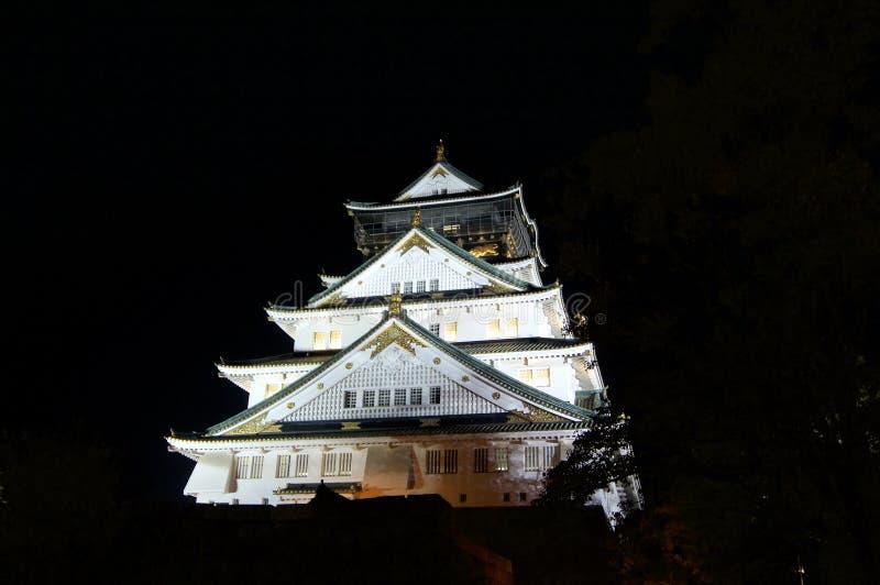 Nattsikt av Osaka-Jo slotten av Osaka arkivbild
