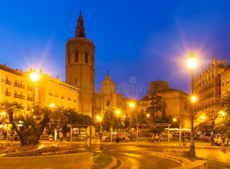 Nattsikt av Plaza de la Reina spain valencia royaltyfri foto