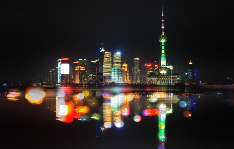 Nattsikt av Shanghai, Kina royaltyfri foto