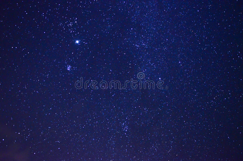 Nattsky med stjärnor royaltyfria bilder
