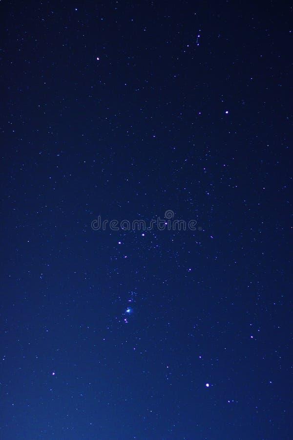 Nattsky med verkliga stjärnor arkivbilder
