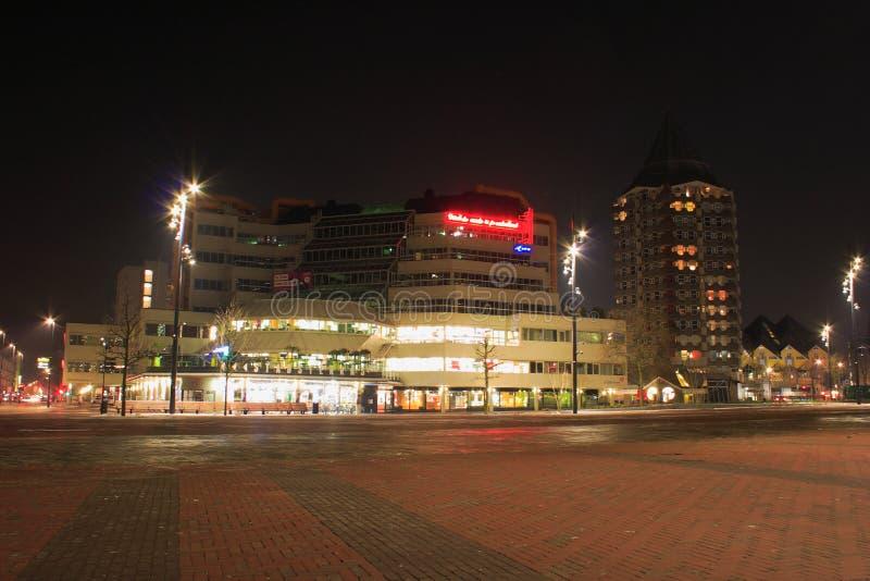 Nattstadssikt av Rotterdam, Netherland arkivfoto