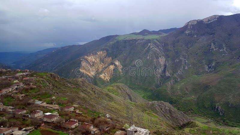 Natur i Tatev område armenia liggandeberg royaltyfri foto