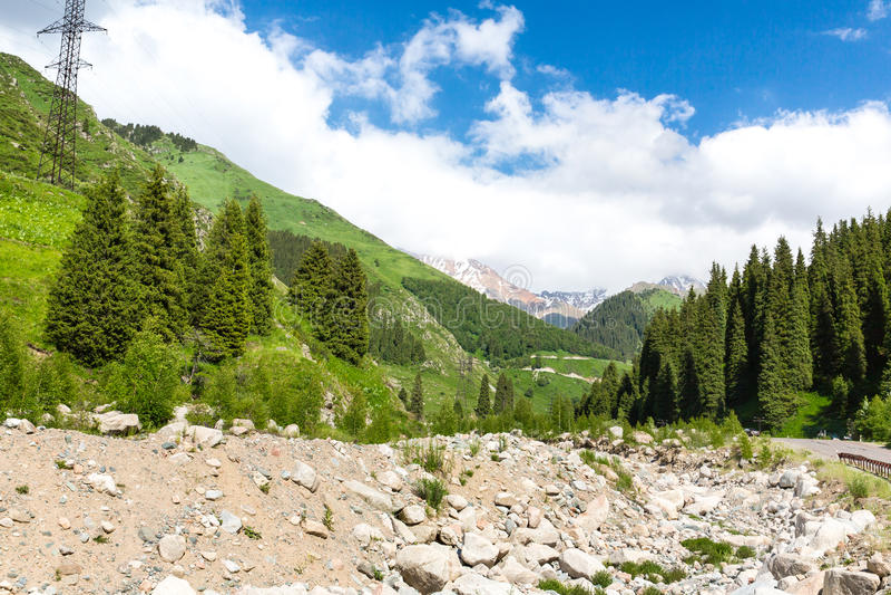 Natur nahe großem Almaty See, Tien Shan Mountains in Almaty, Kasachstan lizenzfreies stockfoto