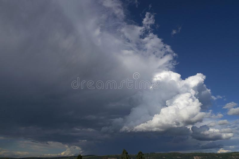 Natura blu degli ambiti di provenienza della nuvola del cielo di Cloudscape fotografia stock