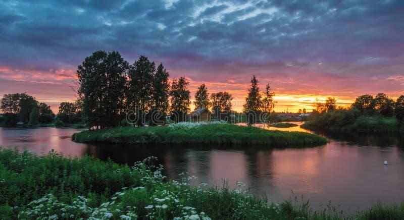 Natura di stupore della Carelia, foto di alba e del tramonto, aurora boreale fotografie stock libere da diritti