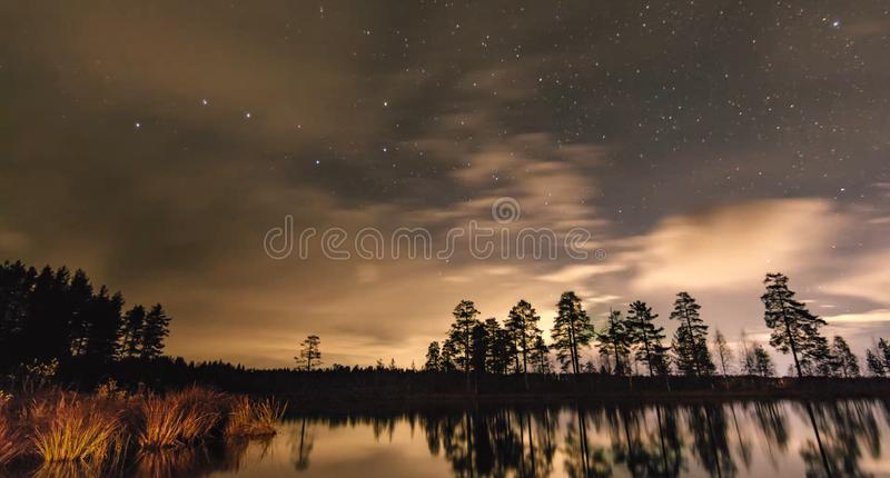 Natura di stupore della Carelia, foto di alba e del tramonto, aurora boreale fotografia stock