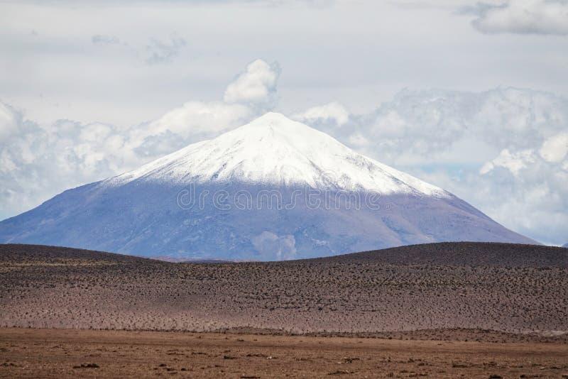 Natura di stupore in Salar de Uyuni, Bolivia fotografia stock libera da diritti