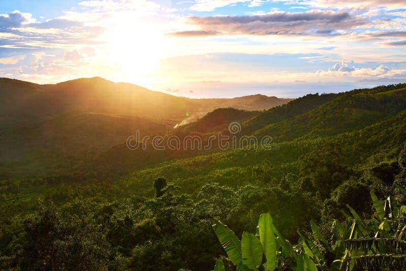 Download Natura Krajobraz Tajlandia Zmierzch Adobe Tło Tworzył Ilustratora Scenerii Oprogramowanie Environ Obraz Stock - Obraz złożonej z zmierzch, lato: 65226195