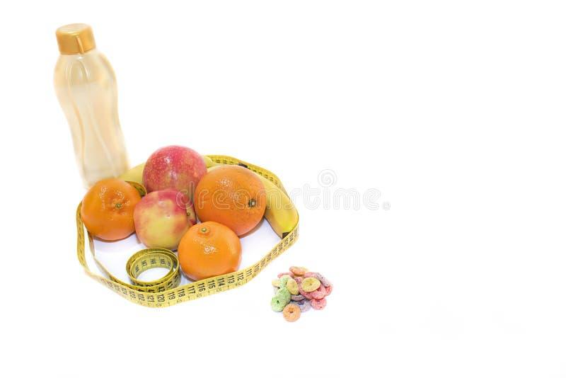 Natura morta composta di frutti e di cereali fotografie stock