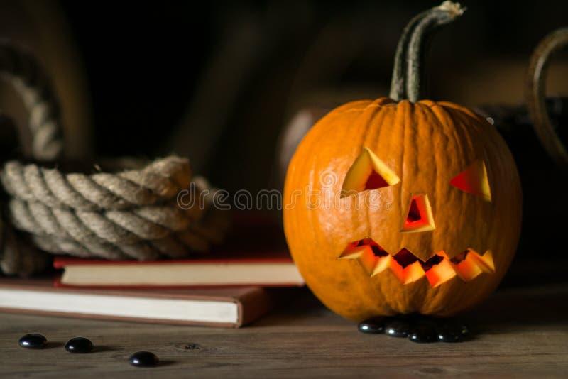 Natura morta con il fronte della zucca su Halloween ad ottobre fotografie stock libere da diritti