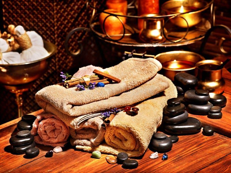 Natura morta di massaggio della stazione termale di Ayurvedic fotografia stock libera da diritti
