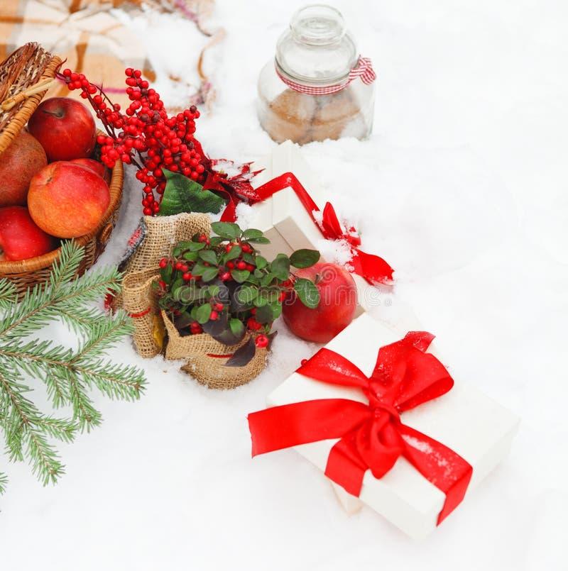 Natura morta di Natale con decorazioni di Natale fotografia stock