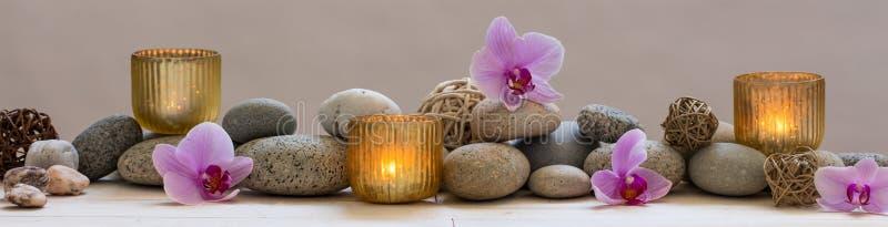 Natura morta panoramica per armonia in stazione termale, nel massaggio o nell'yoga immagine stock libera da diritti