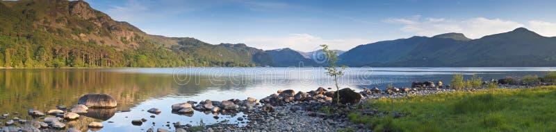 Natura riflessa, distretto del lago, Regno Unito fotografie stock libere da diritti