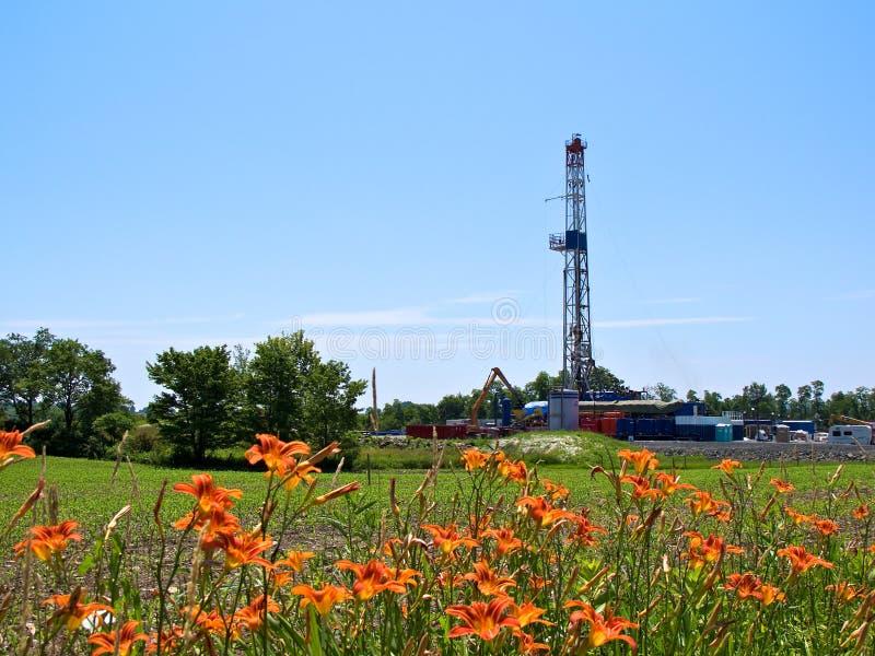 Download Natural Gas Drill In Farmland Stock Photo - Image: 20822542