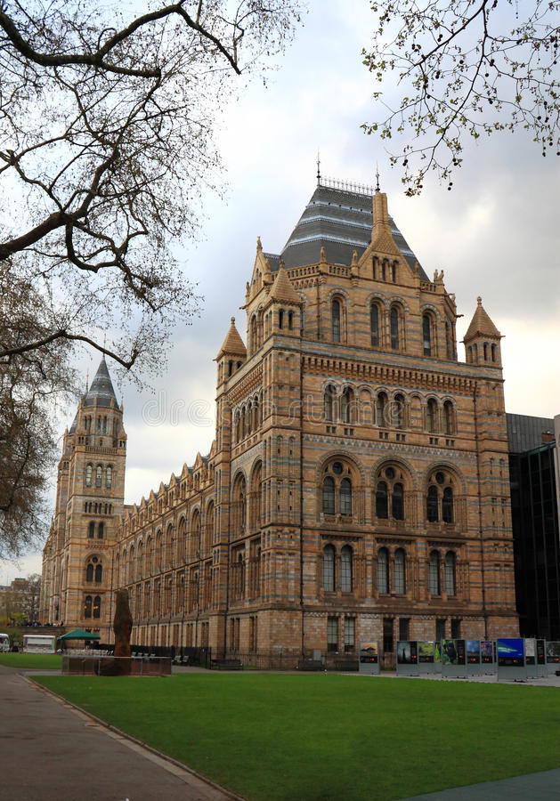 Download Natural History Museum editorial stock image. Image of lawn - 24320369