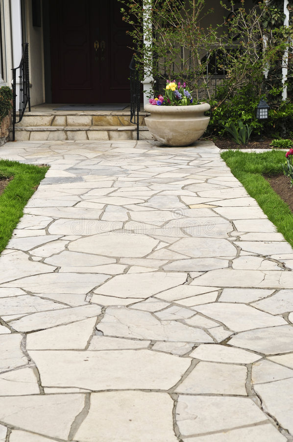 Free Natural Stone Path Stock Photography - 5289322